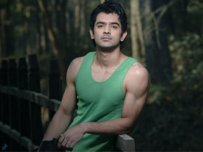Top killer looks of Barun Sobti that had us sweating 1