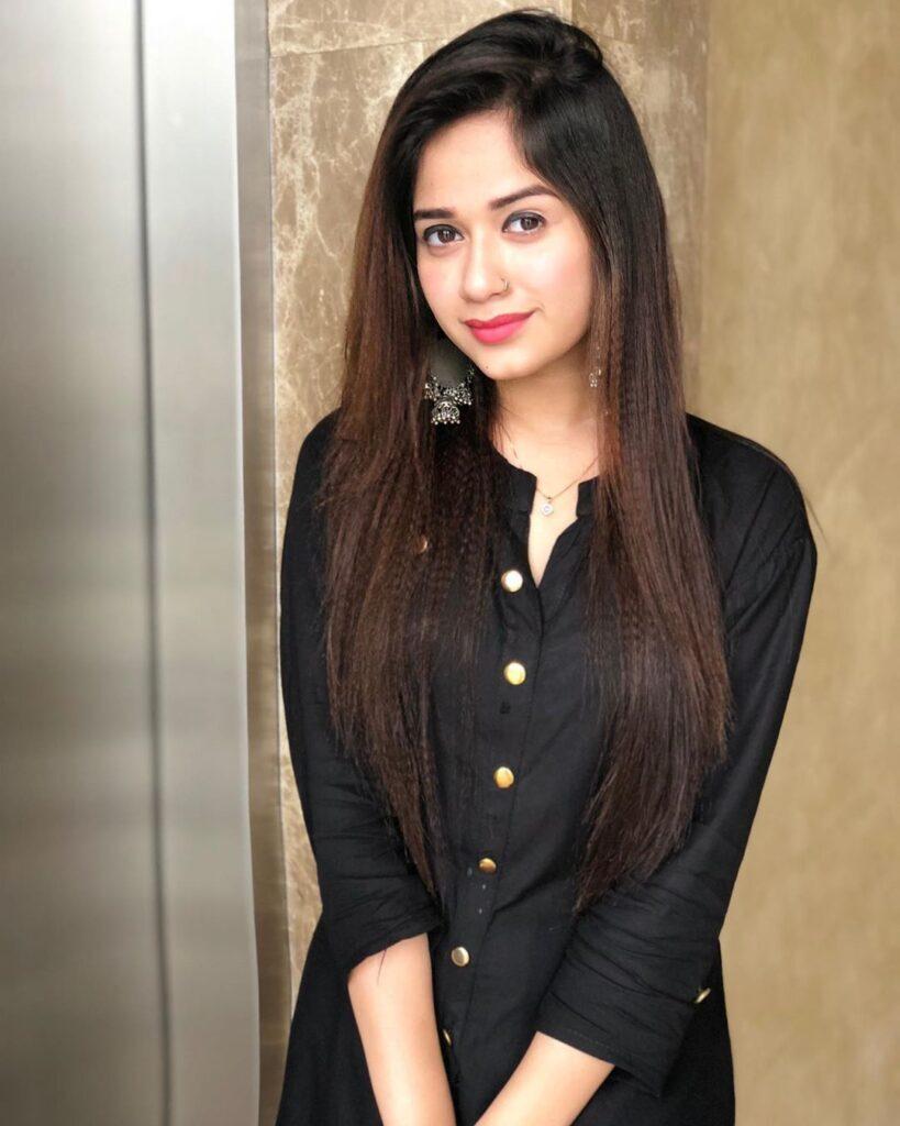 What makes TikTok star Jannat Zubair so popular with the internet? 5