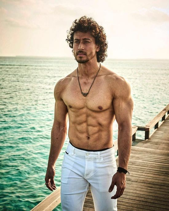 When Tiger Shroff left us drooling with his abs-tastic body 1