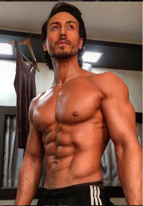 When Tiger Shroff left us drooling with his abs-tastic body 2