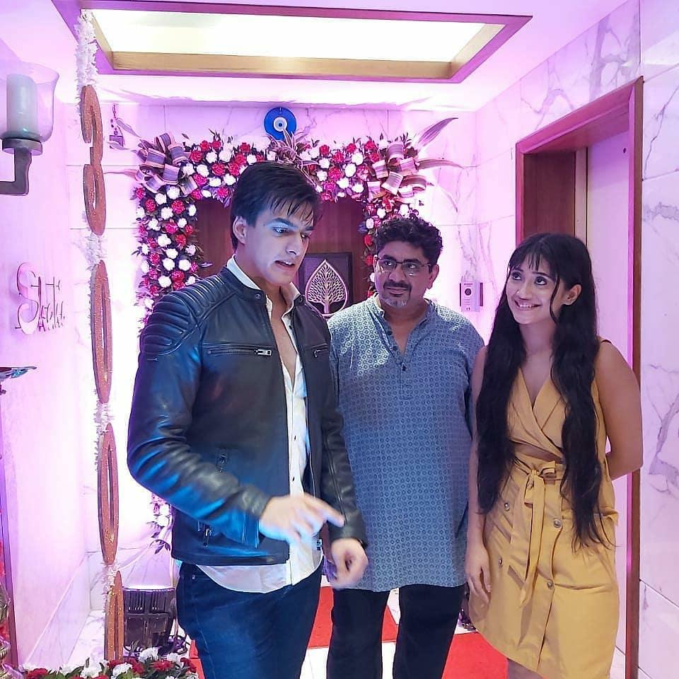 Yeh Rishta Kya Kehlata Hai: Mohsin Khan, Shivangi Joshi and team party hard on 3000 episodes completion 5