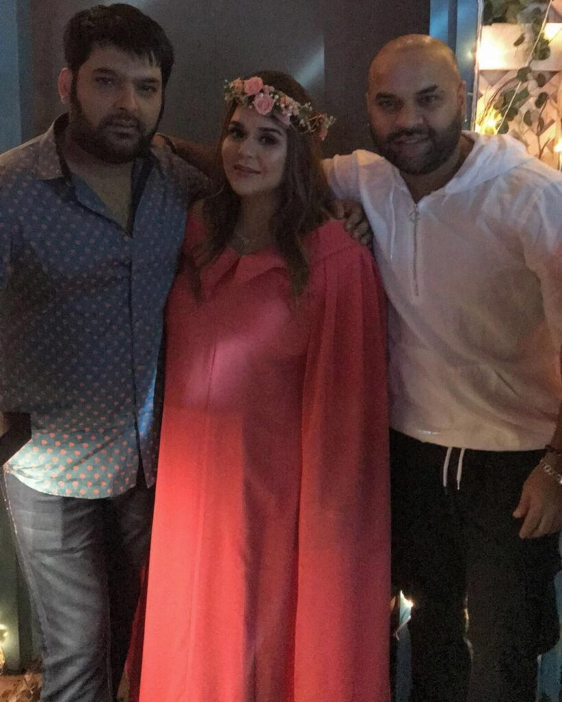 Baby shower pictures of Kapil Sharma's wife Ginni Chatrath 4