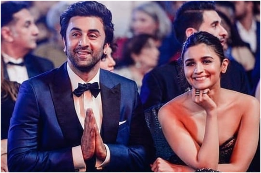 Cute pictures of Alia Bhatt and Ranbir Kapoor that will make you fall in love 2