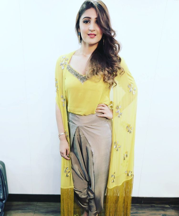 Here's why Dhvani Bhanushali proves she is the ultimate fashion diva 3