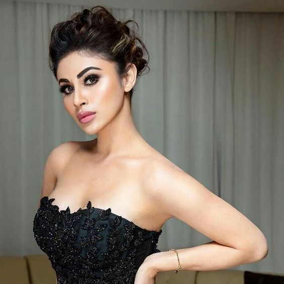 Hottest moments of Mouni Roy that set the screen afire 4
