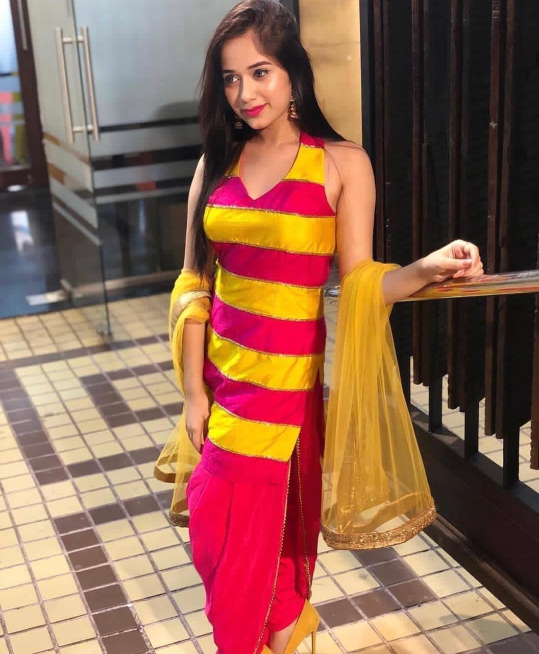 Jannat Zubair vs Arishfa Khan: Who's the stylish Tik Tok Queen? 1