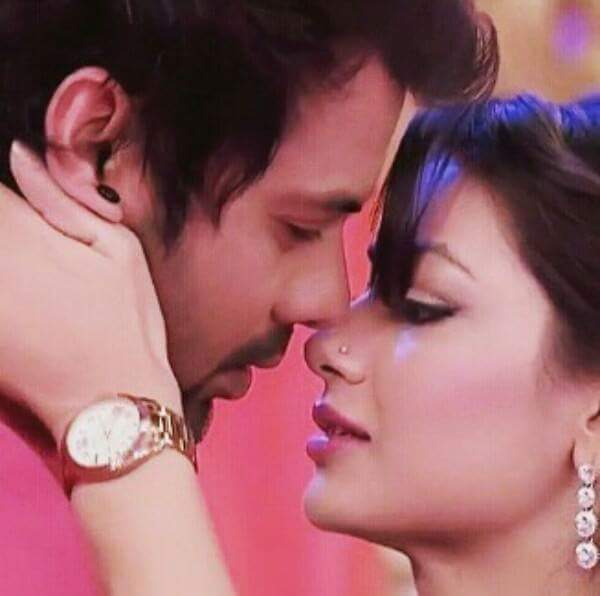 Pictures of Kumkum Bhagya's Abhi and Pragya that are pure LOVE 3