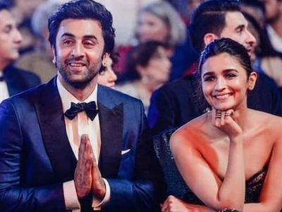 Pictures that prove Alia and Ranbir are the cutest couple in B-Town right now 5
