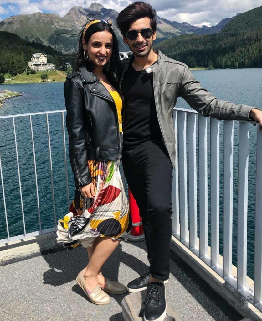 Sanaya Irani and husband Mohit Sehgal are giving major vacation vibes 6