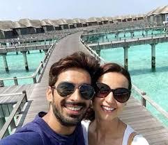 Sanaya Irani and husband Mohit Sehgal are giving major vacation vibes 7