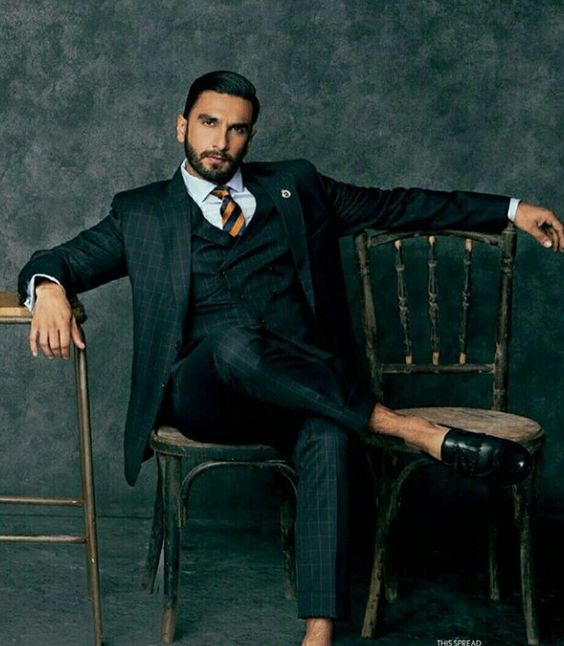 The sexy suit looks of heartthrob Ranveer Singh 5