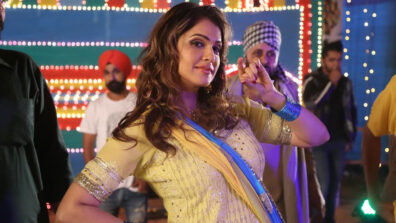 There needs to be some kind of web censorship: Isha Koppikar