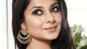 TV fashionista Jennifer Winget can slay any outfit 1