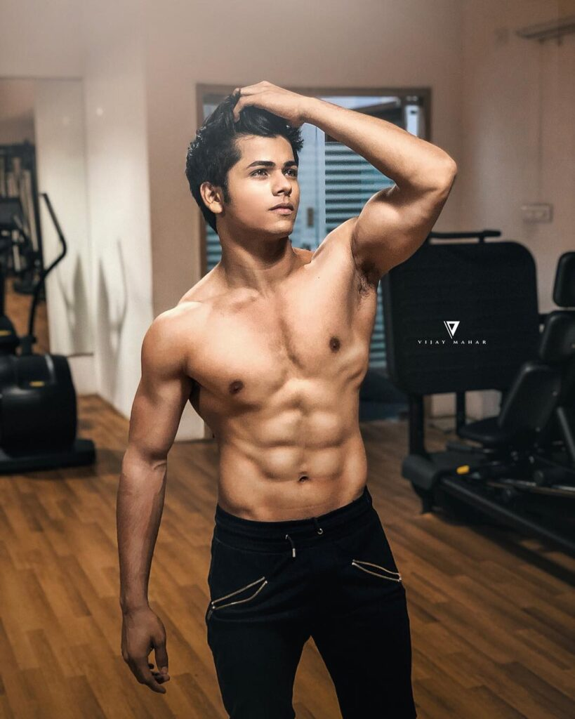 Bare it all with Siddharth Nigam