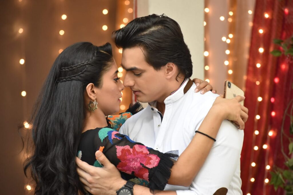 Get nostalgic with Yeh Rishta Kya Kehlata Hai couple Kartik and Naira's on screen pics 1