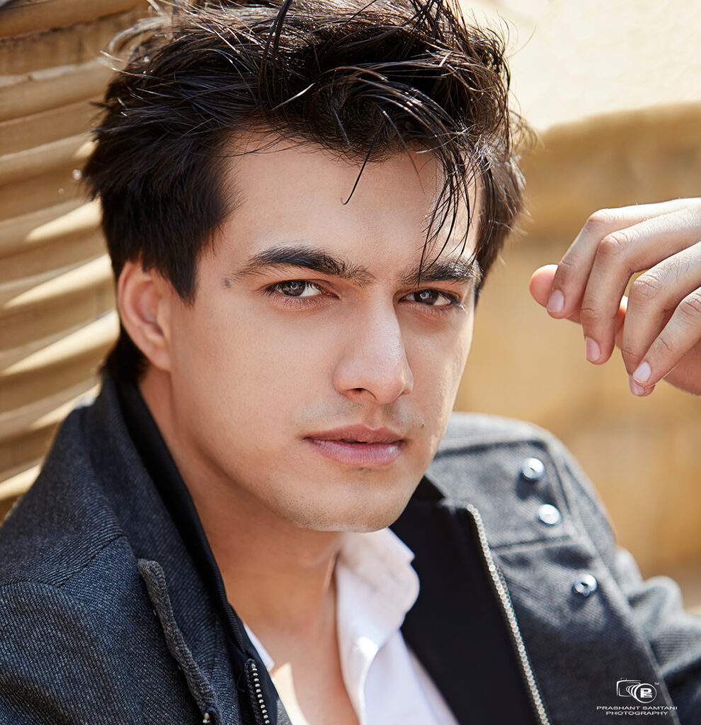 Mohsin Khan is the perfect man in black 3