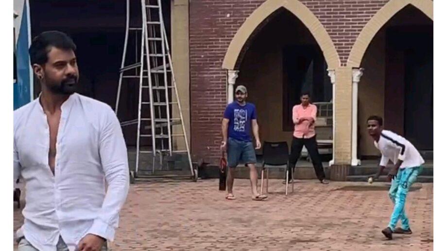 Shabir Ahluwalia and Abhishek Kapur enjoy their cricket session