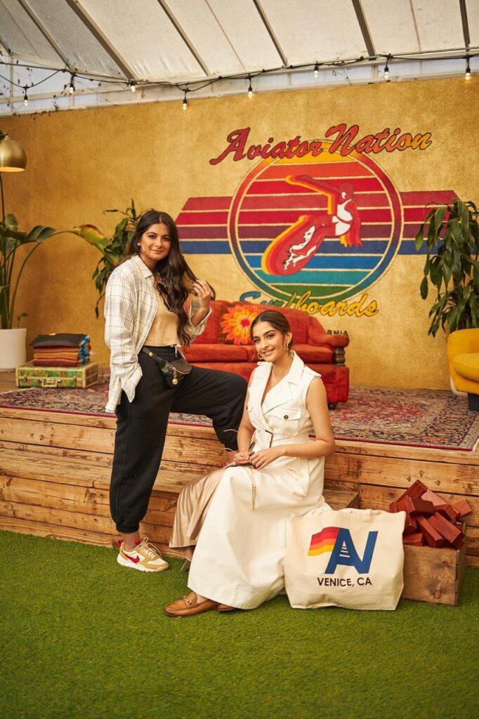 Sonam Kapoor & Rhea Kapoor set off for Los Angeles 1