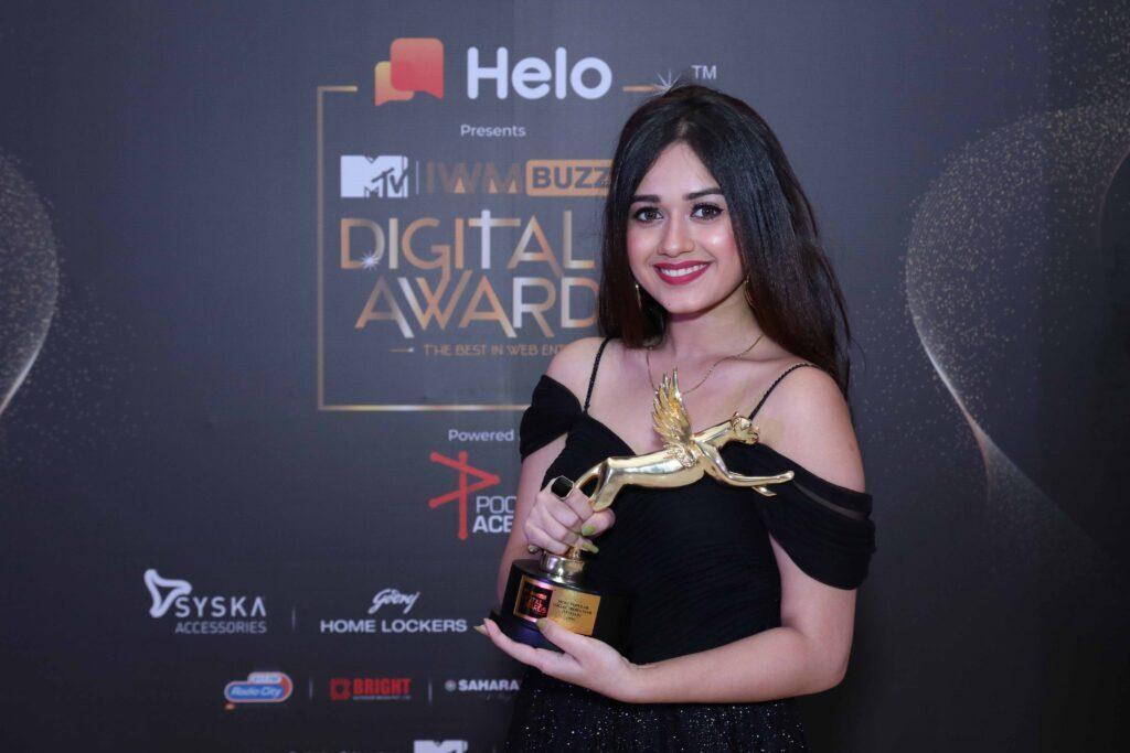 TikTok star Jannat Zubair wins big at MTV IWMBuzz Digital Awards 2019 1