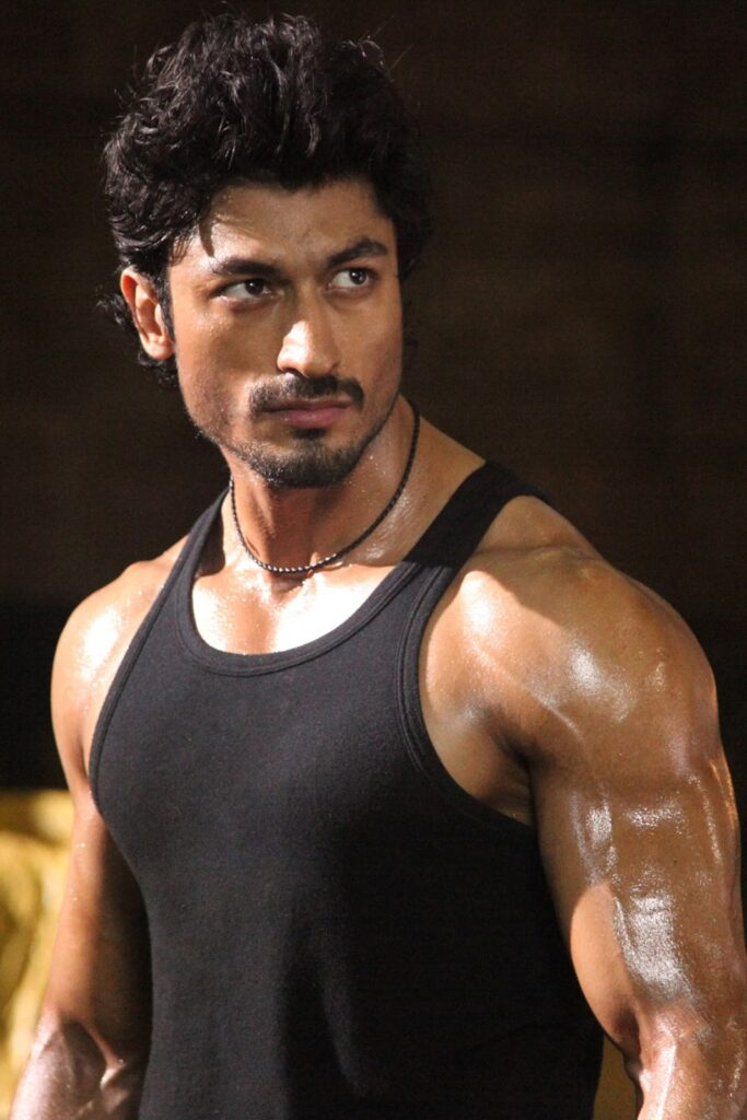 Vidyut Jamwal Is Giving Us Serious Fitness Goals 2