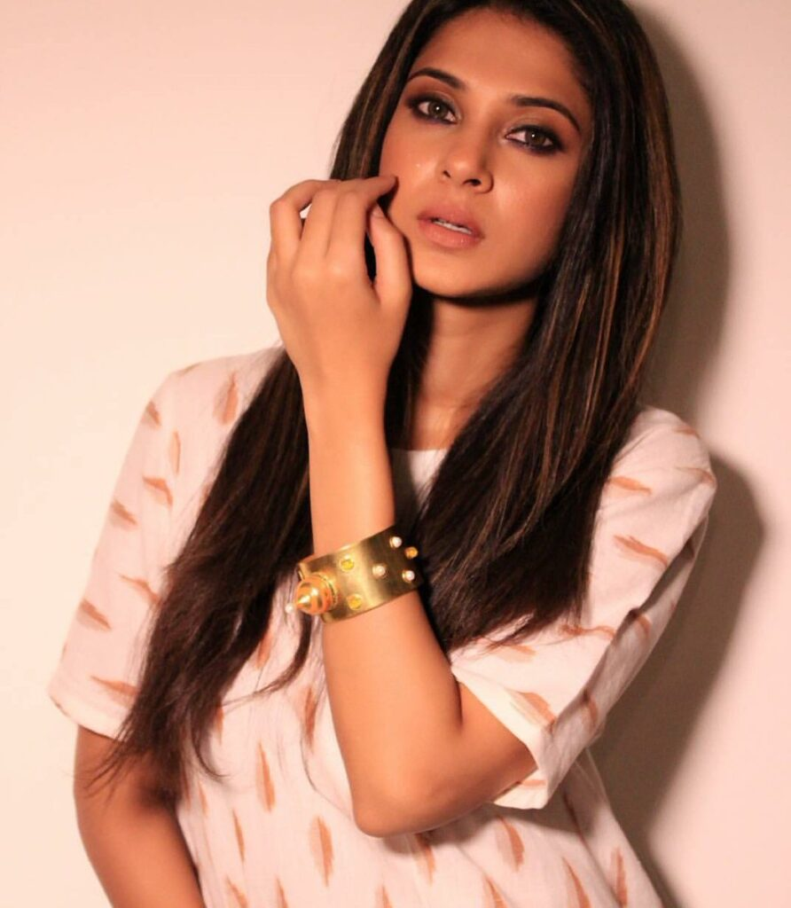 Beyhadh fame Jennifer Winget's Stunning Hairstyles You ...