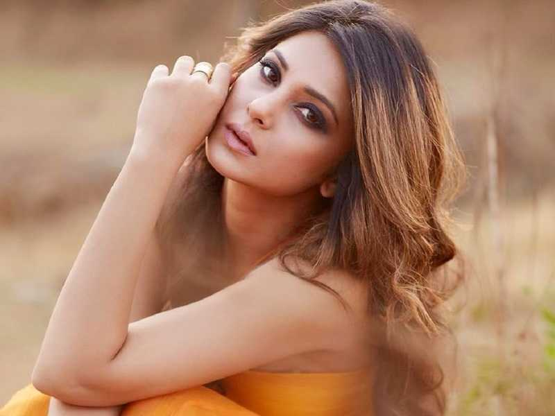 Beyhadh fame Jennifer Winget's Stunning Hairstyles You Need To Check Out 4