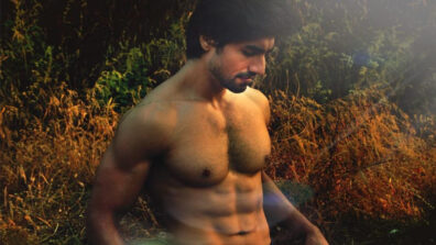 Hot looks of Harshad Chopda when shirtless 11
