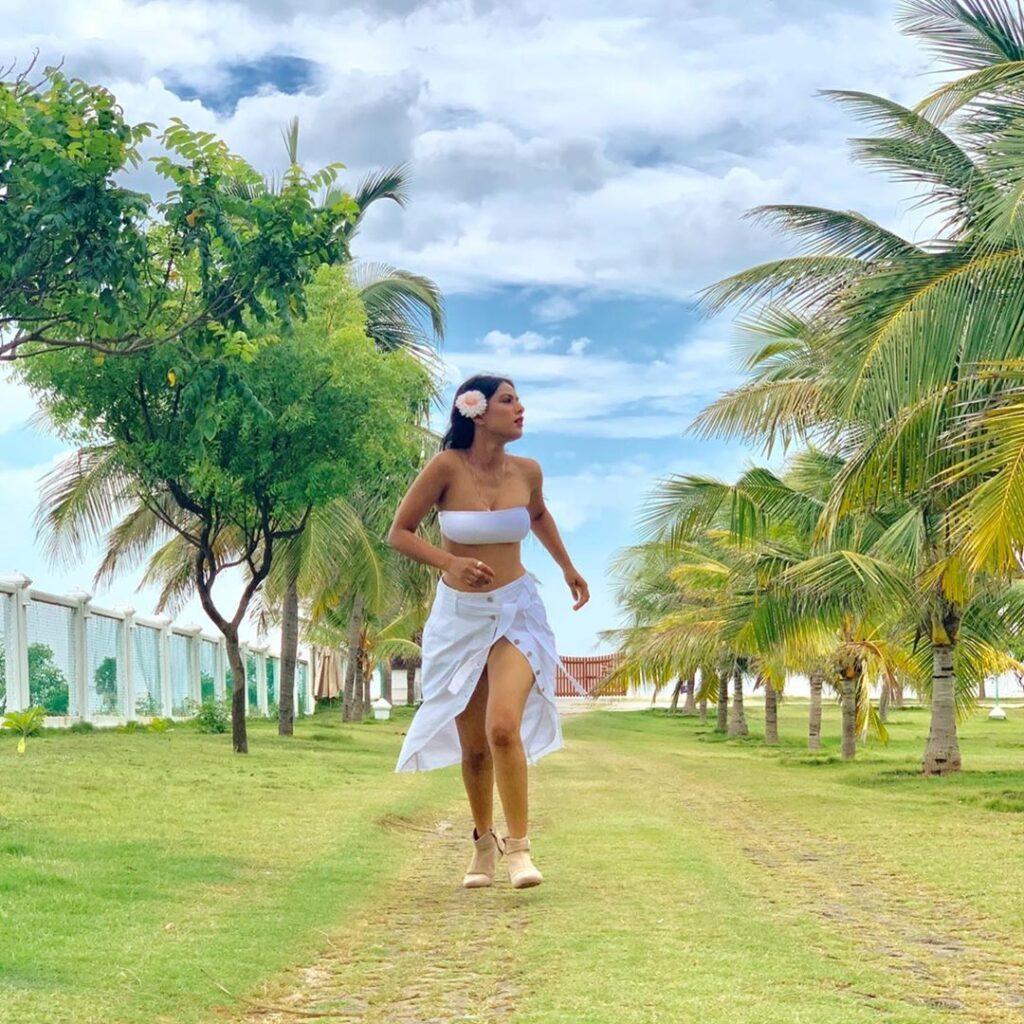 Hotness Overloaded with Nia Sharma's Swimsuit looks