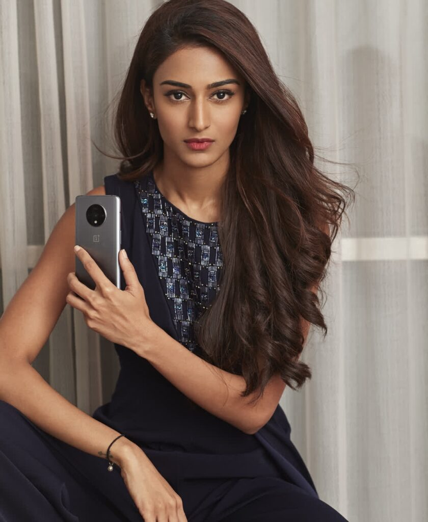 Let's end the year 2019 with these gorgeous pictures of Erica Fernandes 1