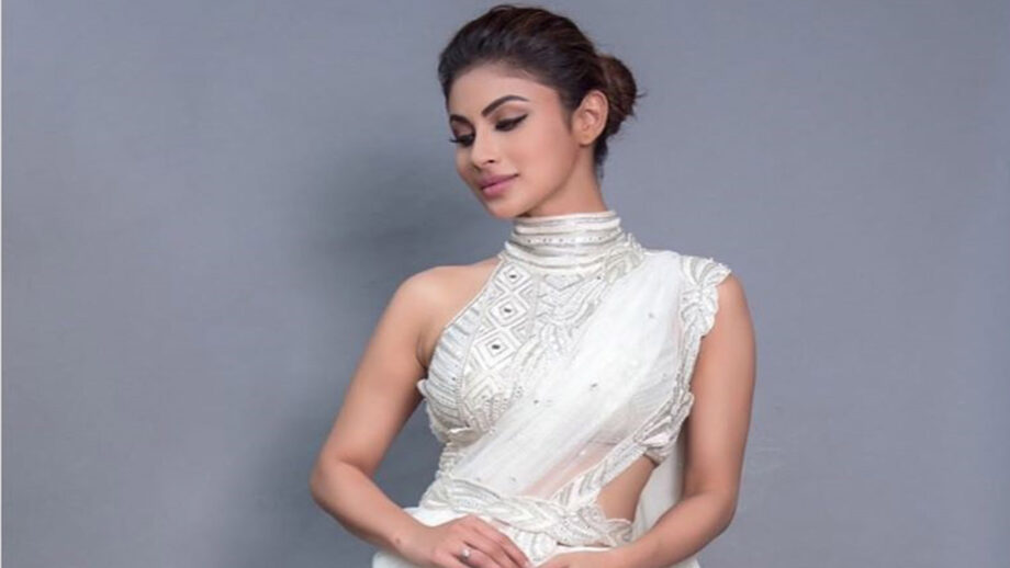 Mouni Roy looks classy in white saree 7