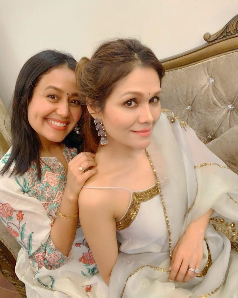 Neha And Sonu Kakkar More Of Bff S Than Sisters Iwmbuzz