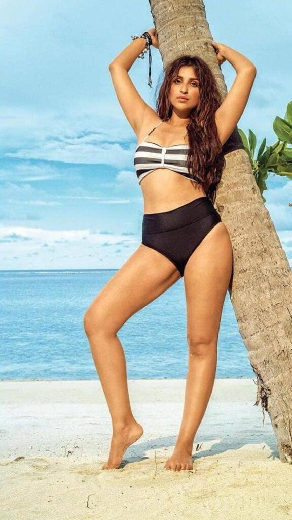 Parineeti Chopra's sizzling hot bikini pictures 3