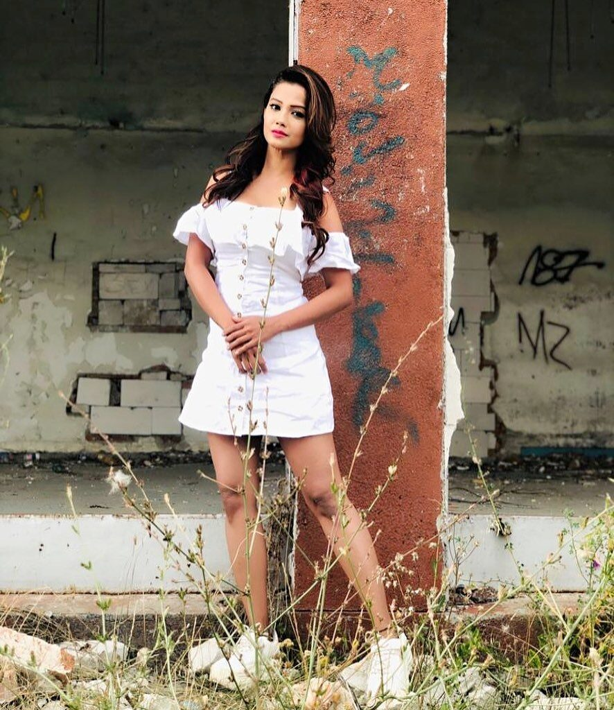 Pictures of Adaa Khan are raising the temperature 7
