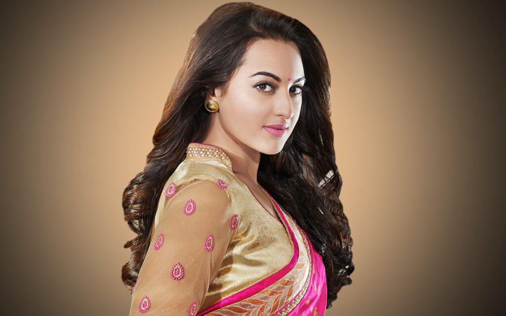 Saree look makes Sonakshi Sinha look best 10