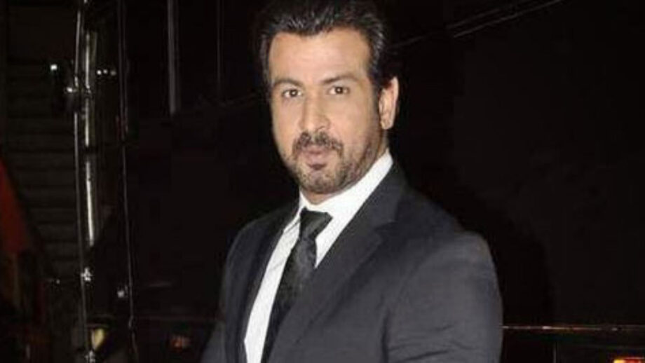 Sexy Suit Looks of Ronit Roy 6