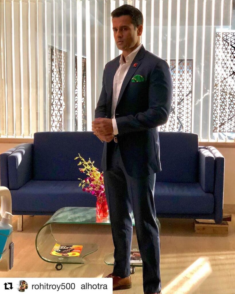 Sexy Suit Looks of Ronit Roy 7