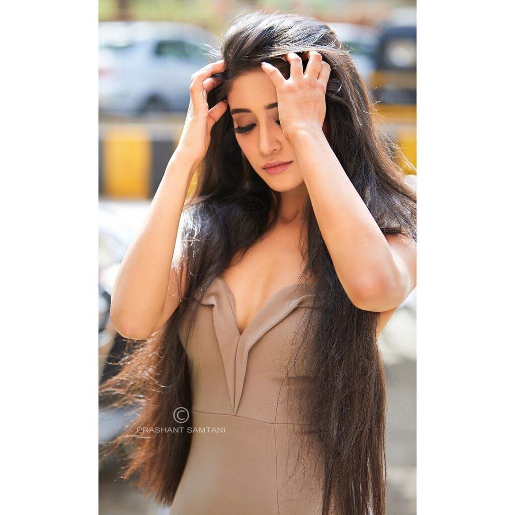 Shivangi Joshi and her attention-seeking style game 11