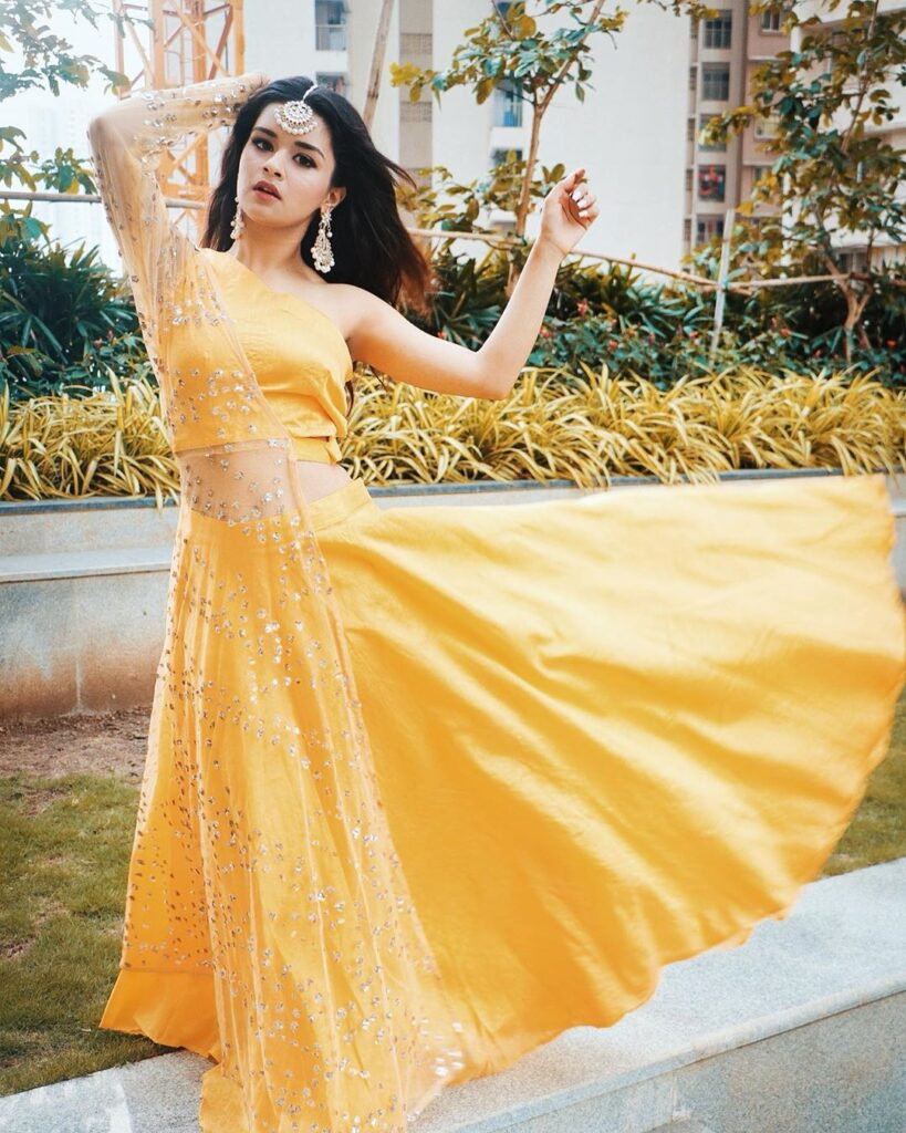 Steal These Outfits from Avneet Kaur's Wardrobe 5