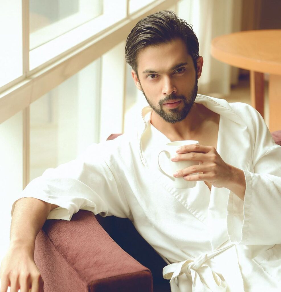 Take a look at hot Instagram pictures of Parth Samthaan! 13