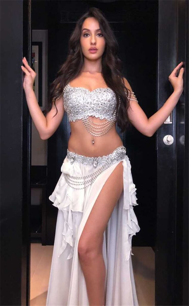 5 times Nora Fatehi raised the temperature with her hotness 2