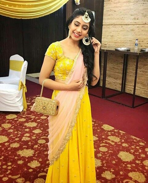 From Kaisi Yeh Yaarian to Ishqbaaz, Niti Taylor's complete style transformation 1