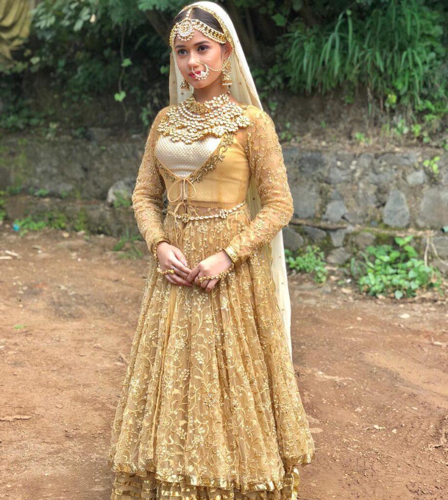 Jannat Zubair is a golden girl 3