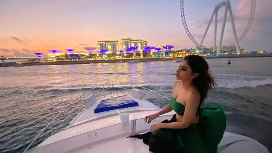 Mouni Roy's net worth and properties will blow your mind 3