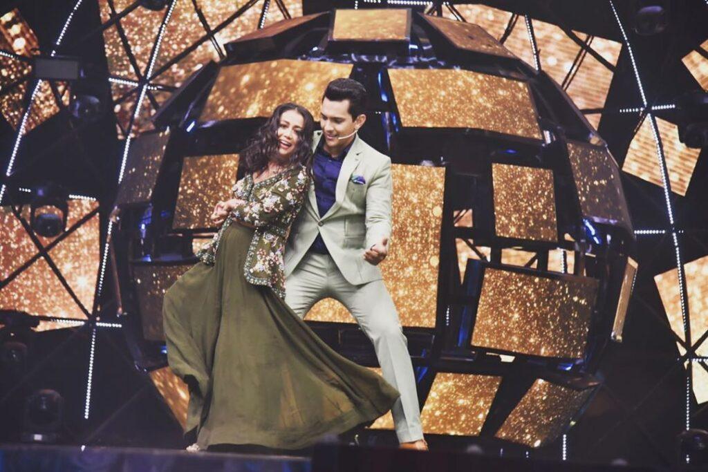 Neha Kakkar and Aditya Narayan ROMANCE comes alive 1