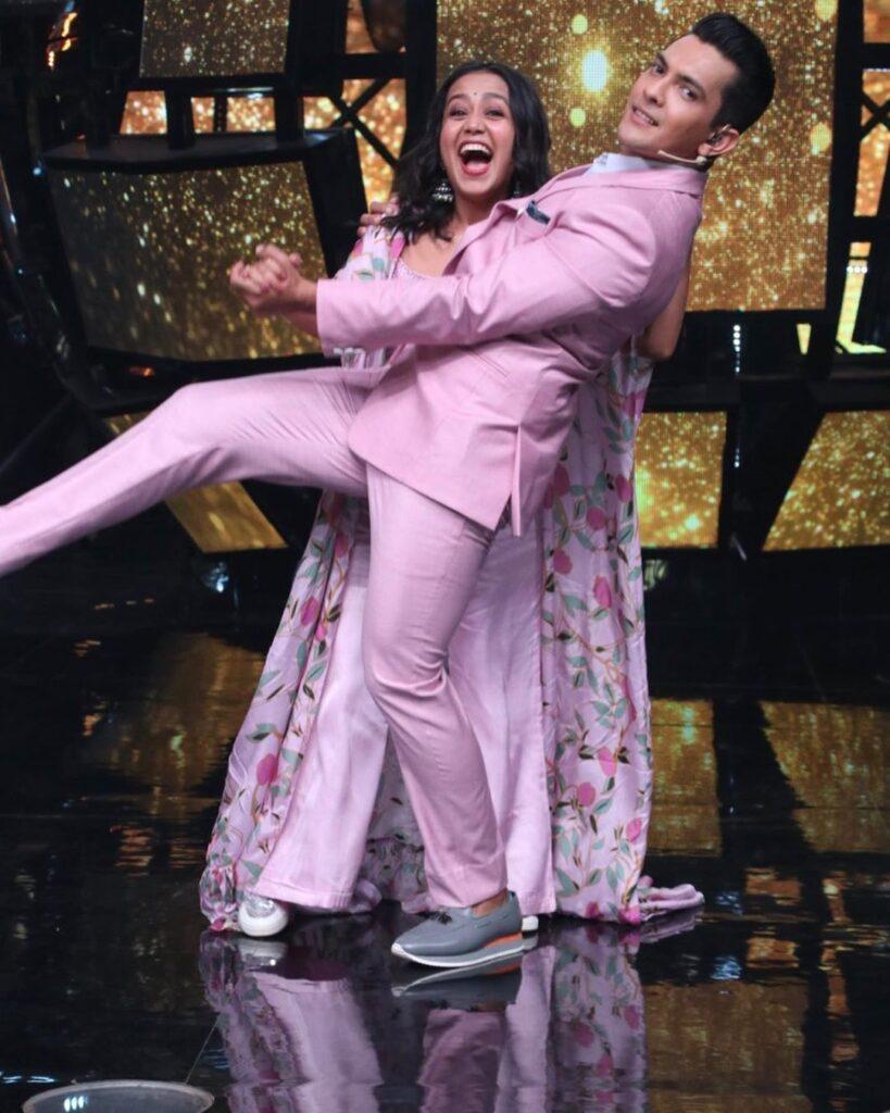 Neha Kakkar and Aditya Narayan ROMANCE comes alive 3