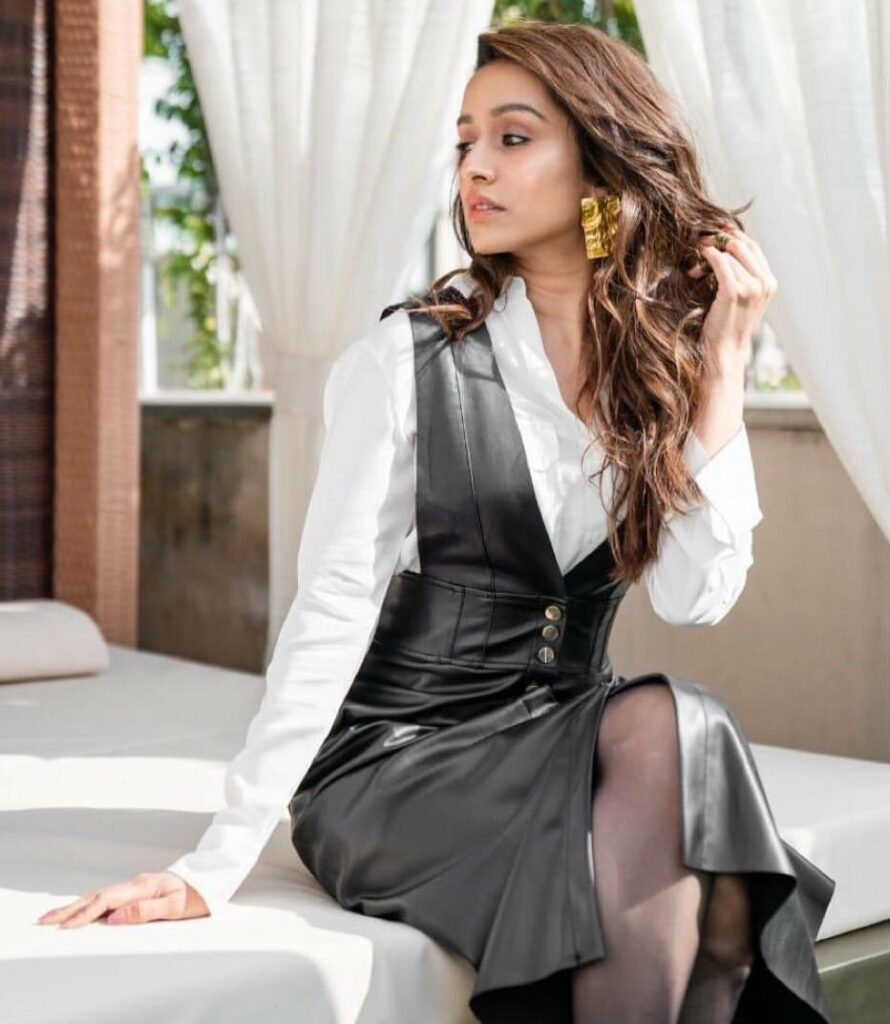 Shraddha Kapoor is giving MAJOR FASHION GOALS with these photos 2