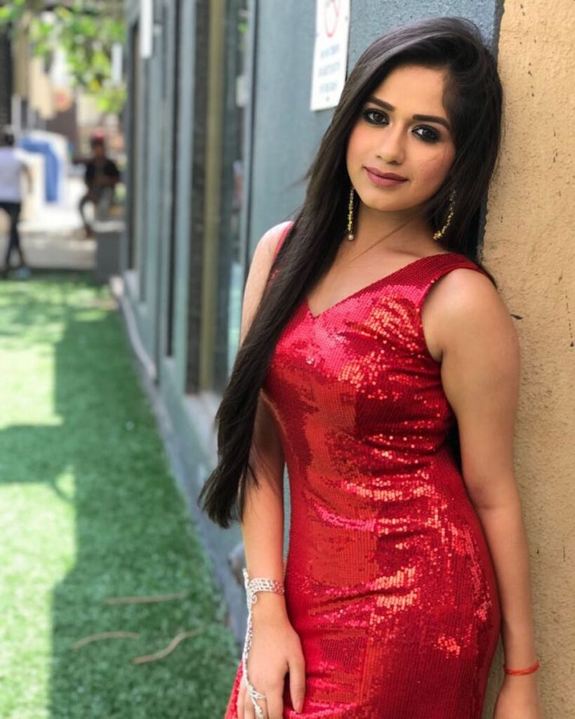TikTok star Jannat Zubair stuns in red 1