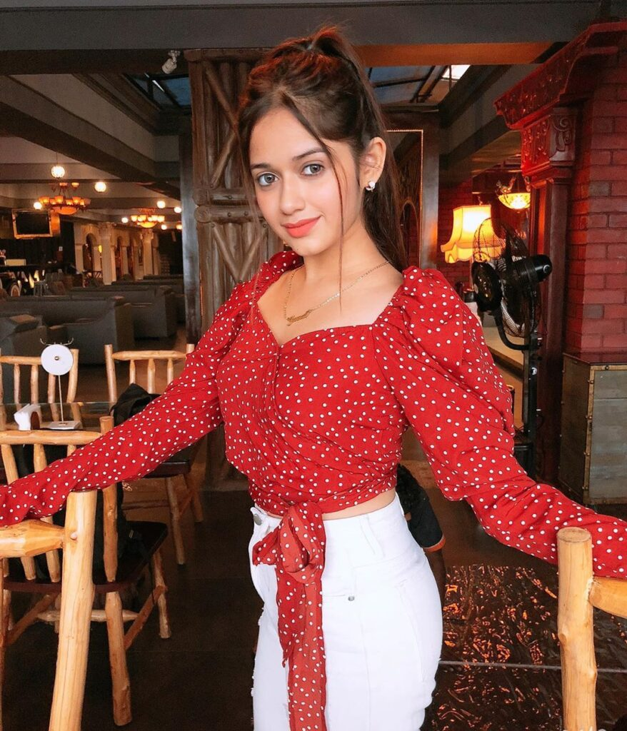 TikTok star Jannat Zubair stuns in red 3