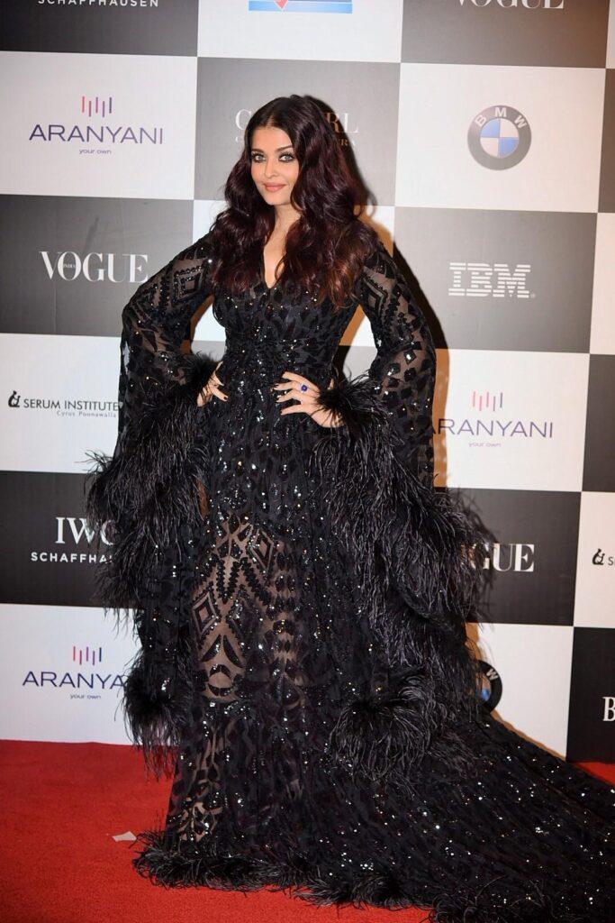Aishwarya Rai Bachchan, Deepika Padukone, Anushka Sharma Black outfits: Add to your party collection 7