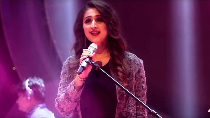 Dhvani Bhanushali's glamorous concert outfits 2